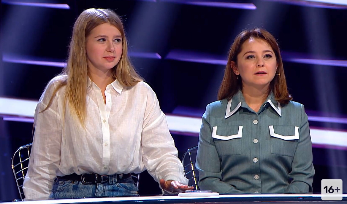 Валентина Рубцова и Анастасия Уколова на шоу Где логика?