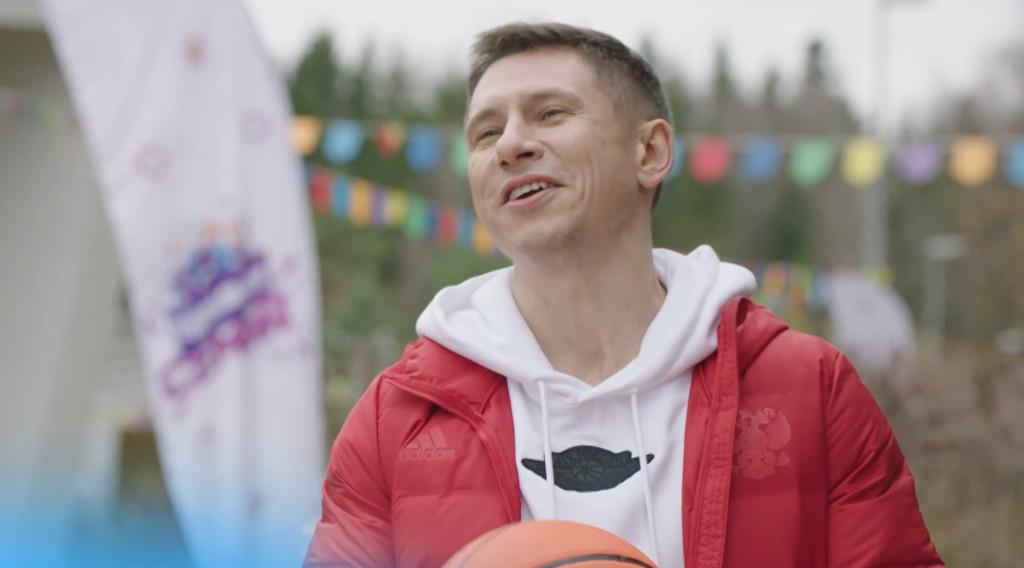 Новый участник шоу Идеальная семья - Илья Близкий